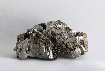 Arsenopyrite,_Panasqueira_Mine,_Portugal[1]